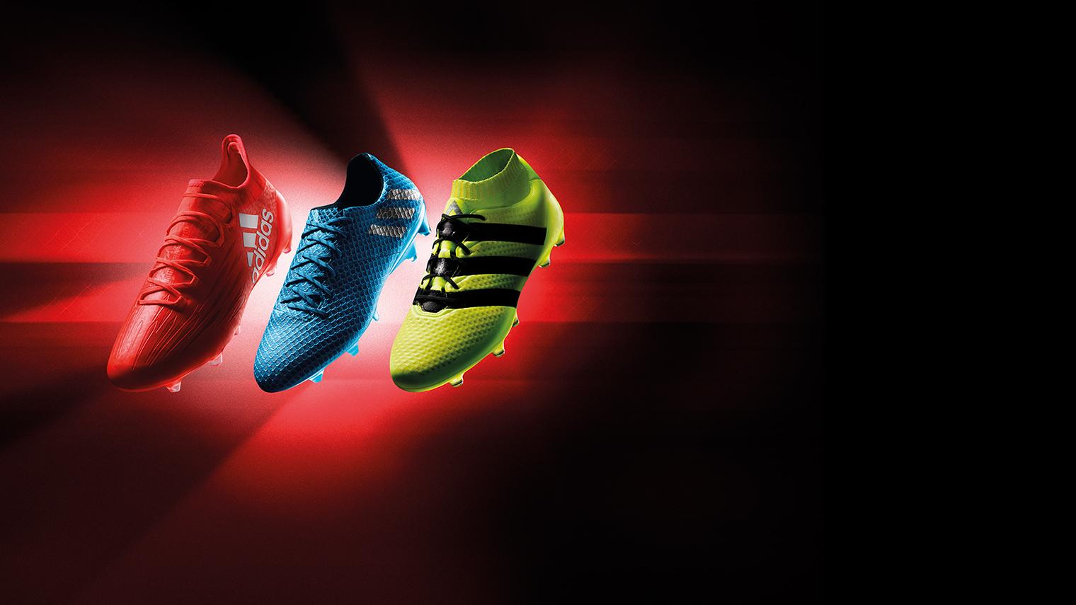 Noua colecție de ghete de fotbal Speed of light!