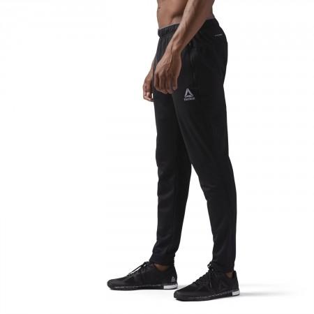 Pantaloni sport bărbați - Reebok WORKOUT READY STACKED LOGO TRACKSTER PANT - 5
